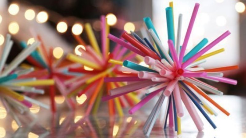 DIY Summer Projects Made by Colorful Straws